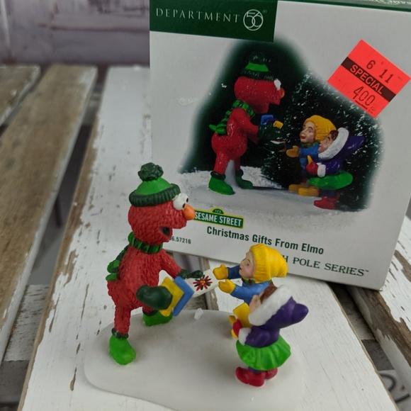 Dept 56 Village Xmas Gifts Elmo Sesame 57216 Elves